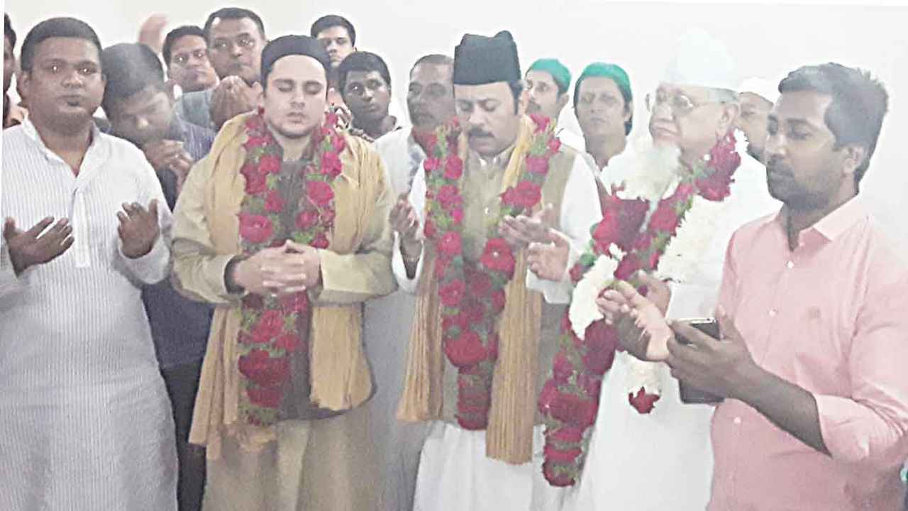 বাবা ভা-ারীর ফাতেহা শরীফ কাতালগঞ্জে