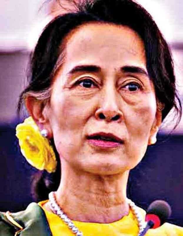 'দেশে রাজনৈতিক ফায়দা লুটতেই' হেগের পথে সু চি