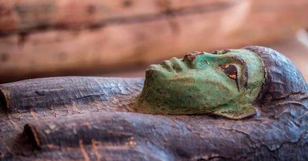 ৩ হাজার বছরের পুরোনো অর্ধশতাধিক কফিনের সন্ধান মিশরে