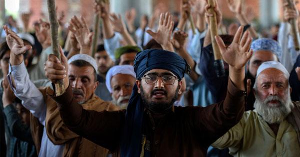 পাকিস্তানে নিষিদ্ধ হচ্ছে ধর্মীয় রাজনৈতিক দল