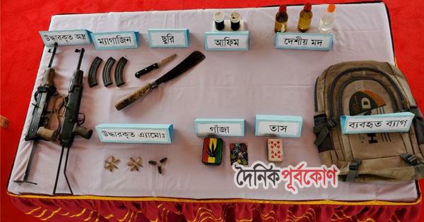 বান্দরবানে সেনা অভিযানে অস্ত্র ও গুলি উদ্ধার